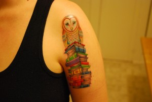 02-Cute-Owl-Library-Books-Tattoo