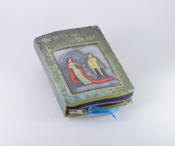 bb-book-clutch
