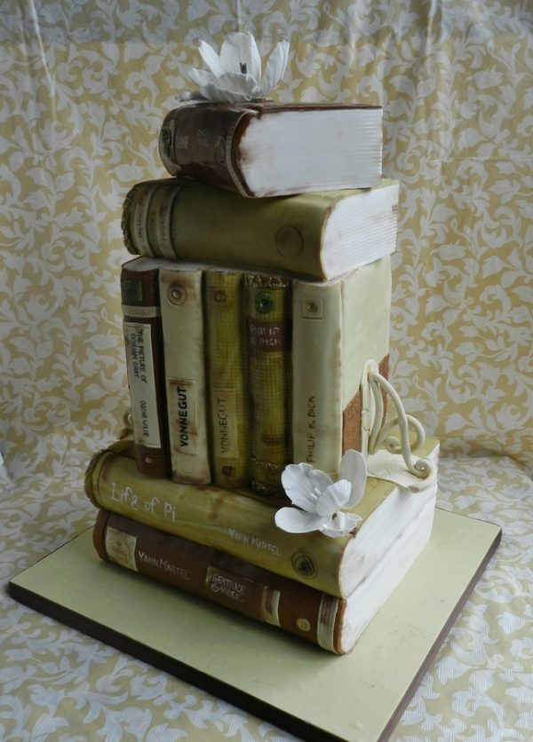 Book-lovers-cake