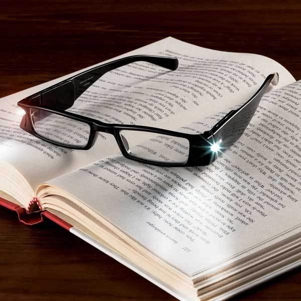 illuminating-reading-glasses