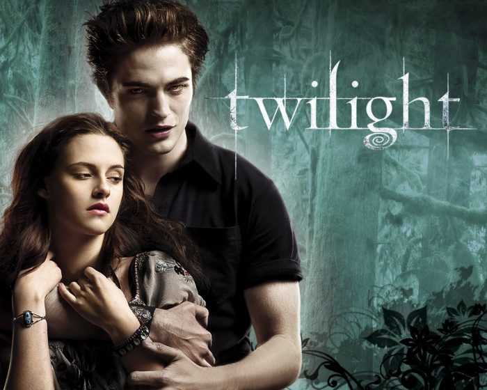 Book Review: Twilight: The Complete Illustrated Movie Companion by Mark Cotta Vaz