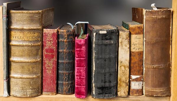 book-1659717_640-1
