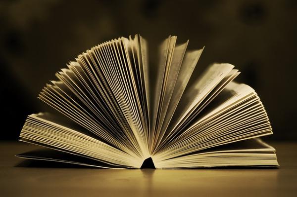 book-933088_640