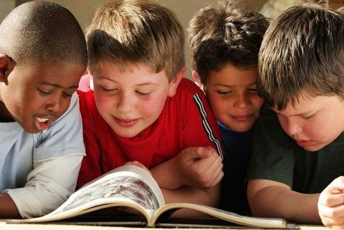 5 Ways to Encourage Young Readers