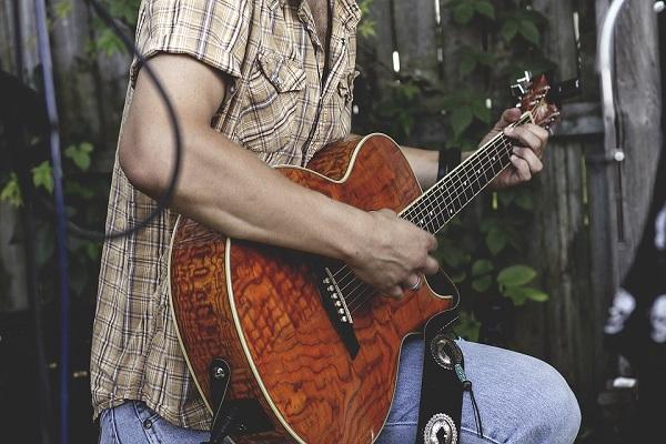guitar-1149862_960_720