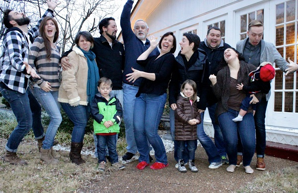 happy-extended-family