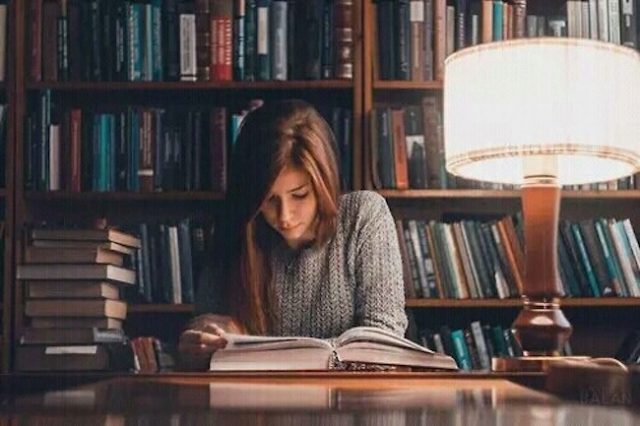 5 Practical Reading Tips For The College Student Bookworm