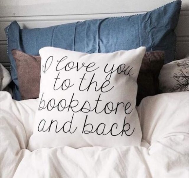 7 Obvious Facts About Dating A Bookworm