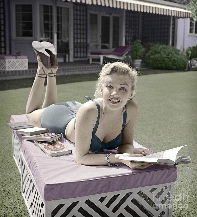 25 Books That Were On Marilyn Monroe's Bookshelf