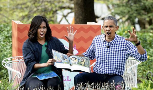 michelle-barack-obama-love-photos-52-587ce875e6410__880