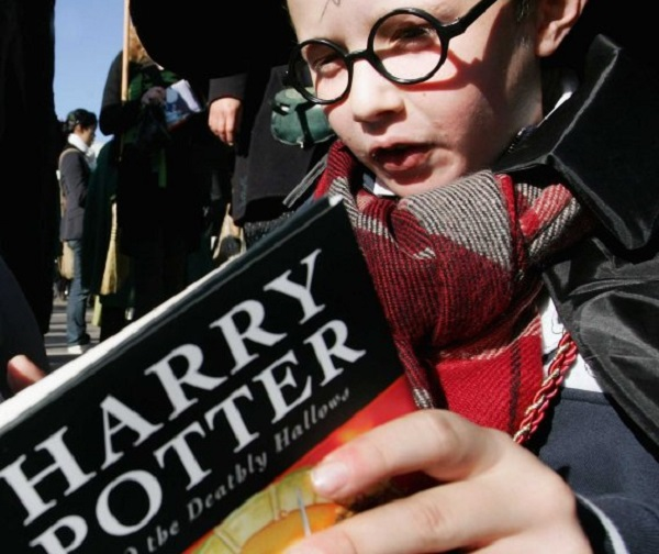 reading-harry-potter-makes-you-a-better-person-research-shows