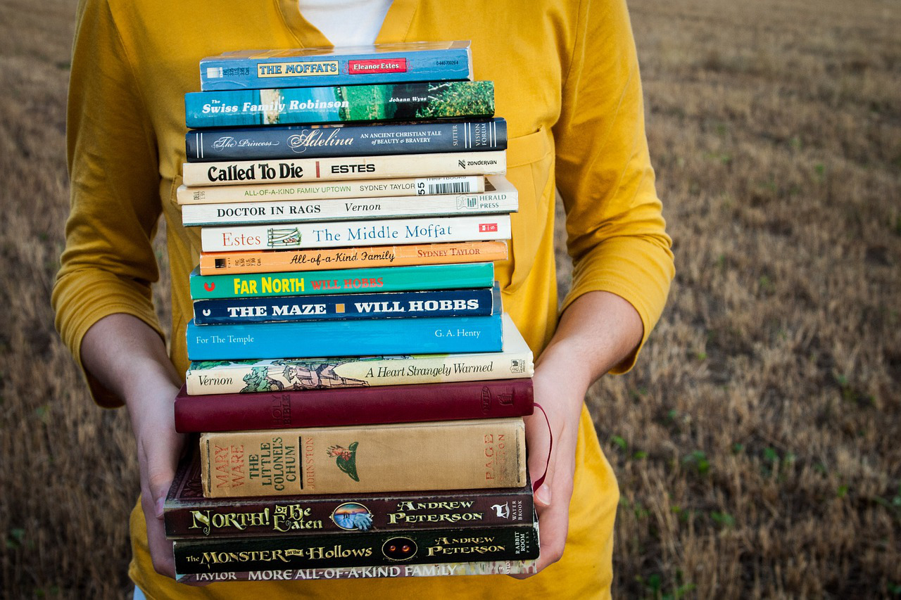 Want To Be A Bookworm? 18 Ways To Read More Books