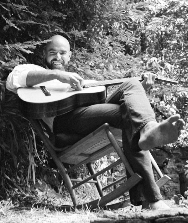 UNITED STATES - CIRCA 1968: Photo of Shel Silverstein (Photo by Alice Ochs/Michael Ochs Archives/Getty Images)