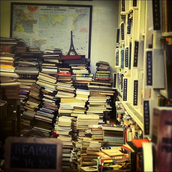 stacks-of-books-messy-shelves