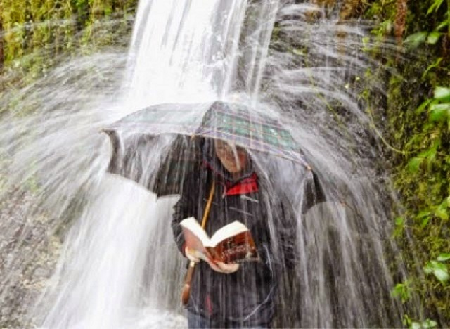 Um, Okay...16 Strange Places Where People Like To Read - AmReading