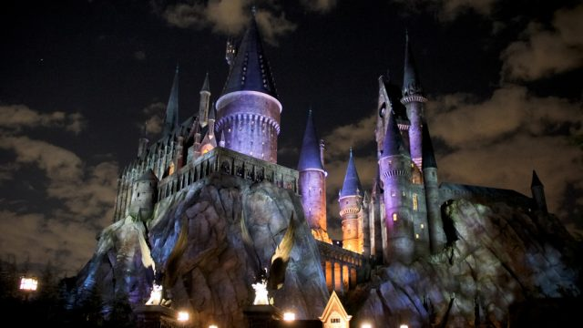 VIDEO: How To Experience The Wizarding World Of Harry Potter