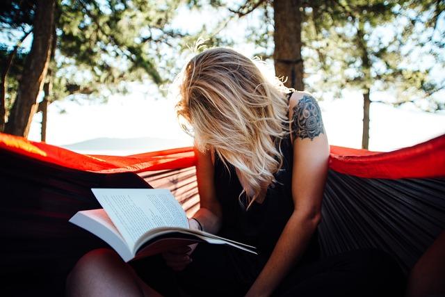 5 Female Authors Worth Binge Reading